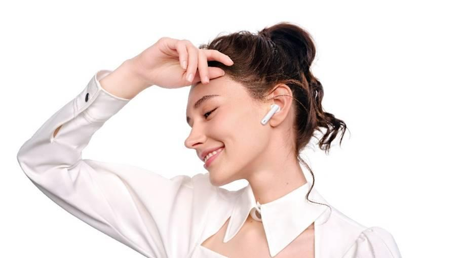 The new wireless earbuds cost only £79.99. (Huawei)