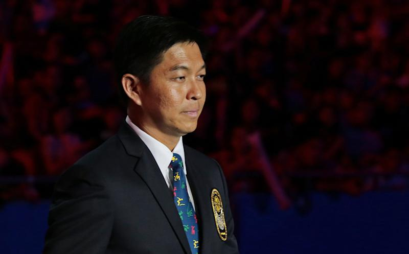 28th SEA Games Singapore 2015 - National Stadium, Singapore - 16/6/15 Closing Ceremony - Minister Tan Chuan-Jin during the IOC Trophy Presentation SEAGAMES28 TEAMSINGAPORE Mandatory Credit: Singapore SEA Games Organising Committee / Action Images via Reuters
