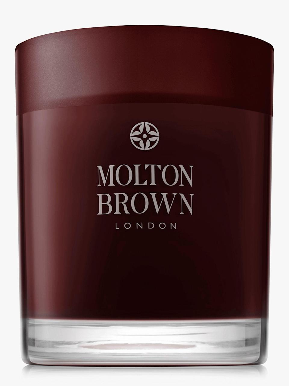 "<p><strong>Molton Brown</strong></p><p>olivela.com</p><p><strong>$50.00</strong></p><p><a href=""https://go.redirectingat.com?id=74968X1596630&url=https%3A%2F%2Fwww.olivela.com%2Fproducts%2Fmoltonbrown-blackpeppercornsinglewickcandle-20852&sref=https%3A%2F%2Fwww.harpersbazaar.com%2Fbeauty%2Fg34078375%2Fbest-winter-candles%2F"" rel=""nofollow noopener"" target=""_blank"" data-ylk=""slk:Shop Now"" class=""link rapid-noclick-resp"">Shop Now</a></p><p><strong>Smells like: </strong>the rich, lush side of peppercorns, minus the sneezing. Light this candle up if you love a relaxing, yet masculine scent—Molton Brown knows how to do both well. </p>"