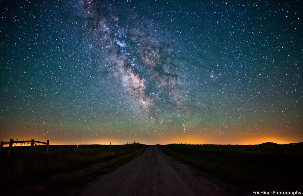 The Milky Way over a dirt road in Wyoming.  (Photo: Eric Hines Photography/Flickr )