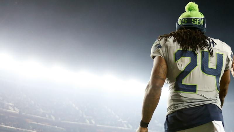 Raiders players react to news of Marshawn Lynch trade