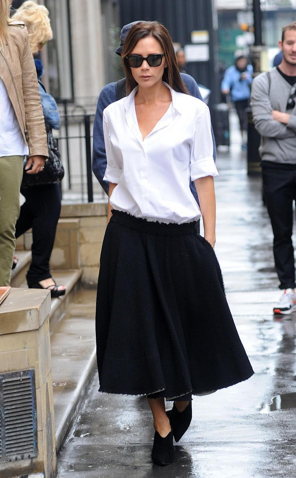 <p>Even a monochrome ensemble, paired with minimal accessories, looks chic AF on VB. <em>[Photo: Getty]</em> </p>