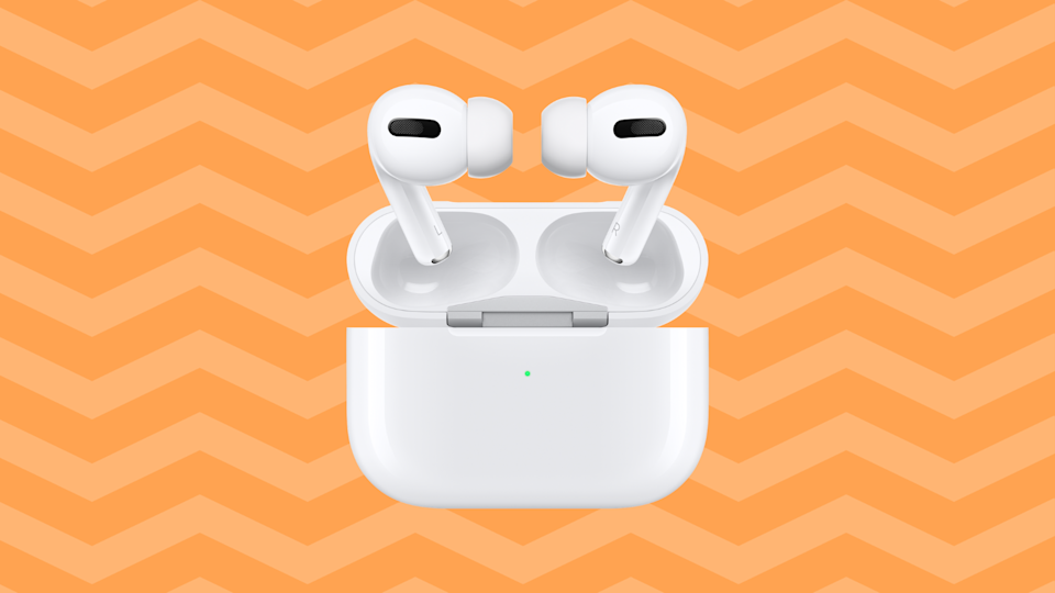 Customizable and noise-canceling: the Apple AirPods Pro are a solid choice. (Photo: Apple)