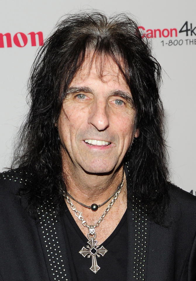 Shock rock pioneer Alice Cooper hasn't put down the eyeliner in decades—and we don't want him to. The 65 year-old is still splattering fake blood on stage with his blacked out eyes and painted on frown (which looks an awful lot like internet sensation Grumpy Cat). But without the make-up, he looks like good ol' grandpa Alice.