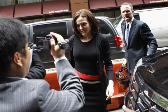 Facebook Inc. COO Sheryl Sandberg arrives at New York City's Sheraton Hotel with other Facebook executives, May 7, 2012.