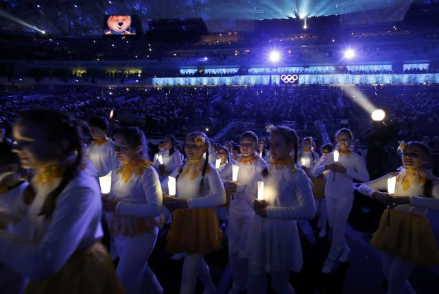 Performers take part in the closing ceremony for the Sochi 2014 Winter Olympic Games February 23, 2014. REUTERS/Marko Djurica (RUSSIA - Tags: OLYMPICS SPORT)