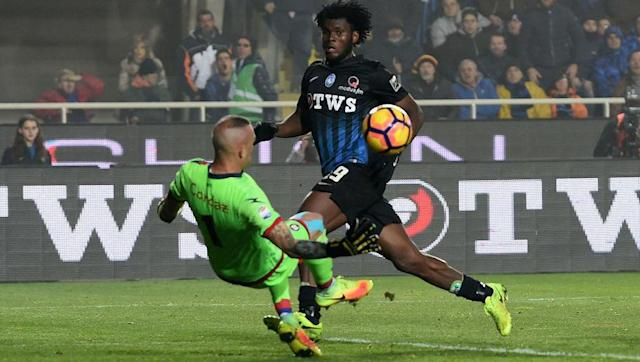 """<p>The Ivorian has been linked with pretty much every top club in Europe, with the Premier League showing the greatest interest. With reports circulating about Chelsea and Arsenal's interest, Kessie recently came out with something much more interesting.</p> <br><p>""""I like the Premier League and in particular Manchester United, the club I dream of playing for.</p> <br><p>""""Chelsea? That is also a big club, nobody would turn them down, but I dream of United."""" He told TuttoMercatoWeb via <a href=""""http://www.eurosport.com/football/serie-a/2016-2017/franck-kessie-i-dream-of-man-utd_sto6068674/story.shtml"""" rel=""""nofollow noopener"""" target=""""_blank"""" data-ylk=""""slk:EuroSport."""" class=""""link rapid-noclick-resp""""><strong>EuroSport. </strong></a></p>"""