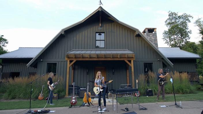 Sheryl Crow set up a stage outside the barn at her home in the US