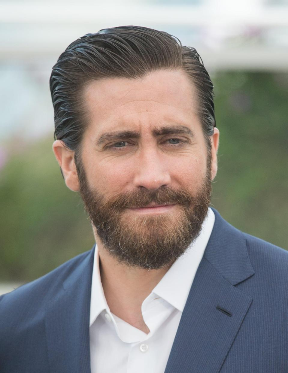 """<p>Jake and Minka were reported to have had a fling in 2012 after going on a few dates. According to <strong>E! Online</strong>, <a href=""""http://www.eonline.com/news/510267/jake-gyllenhaal-and-minka-kelly-reportedly-hooked-up-again"""" class=""""link rapid-noclick-resp"""" rel=""""nofollow noopener"""" target=""""_blank"""" data-ylk=""""slk:they reconnected two years later"""">they reconnected two years later</a>. """"They hook up whenever they're single,"""" a source said.</p>"""