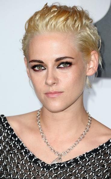 <p>Kristen Stewart recently showed off her new shorter hair style at the Chanel No5 Dinner. <i>[Photo: Getty]</i></p>