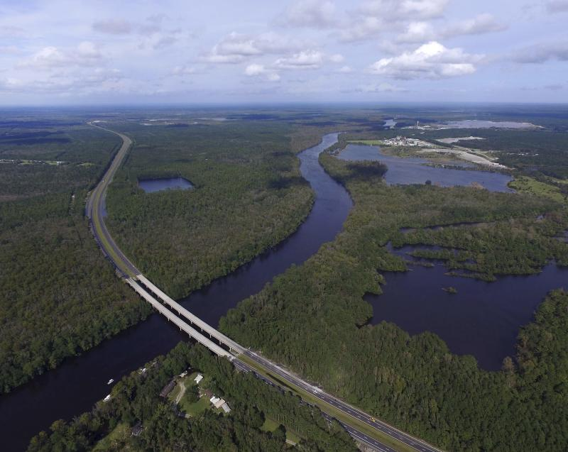 Person Bridge above Cape Fear shut down amid flooding from Florence