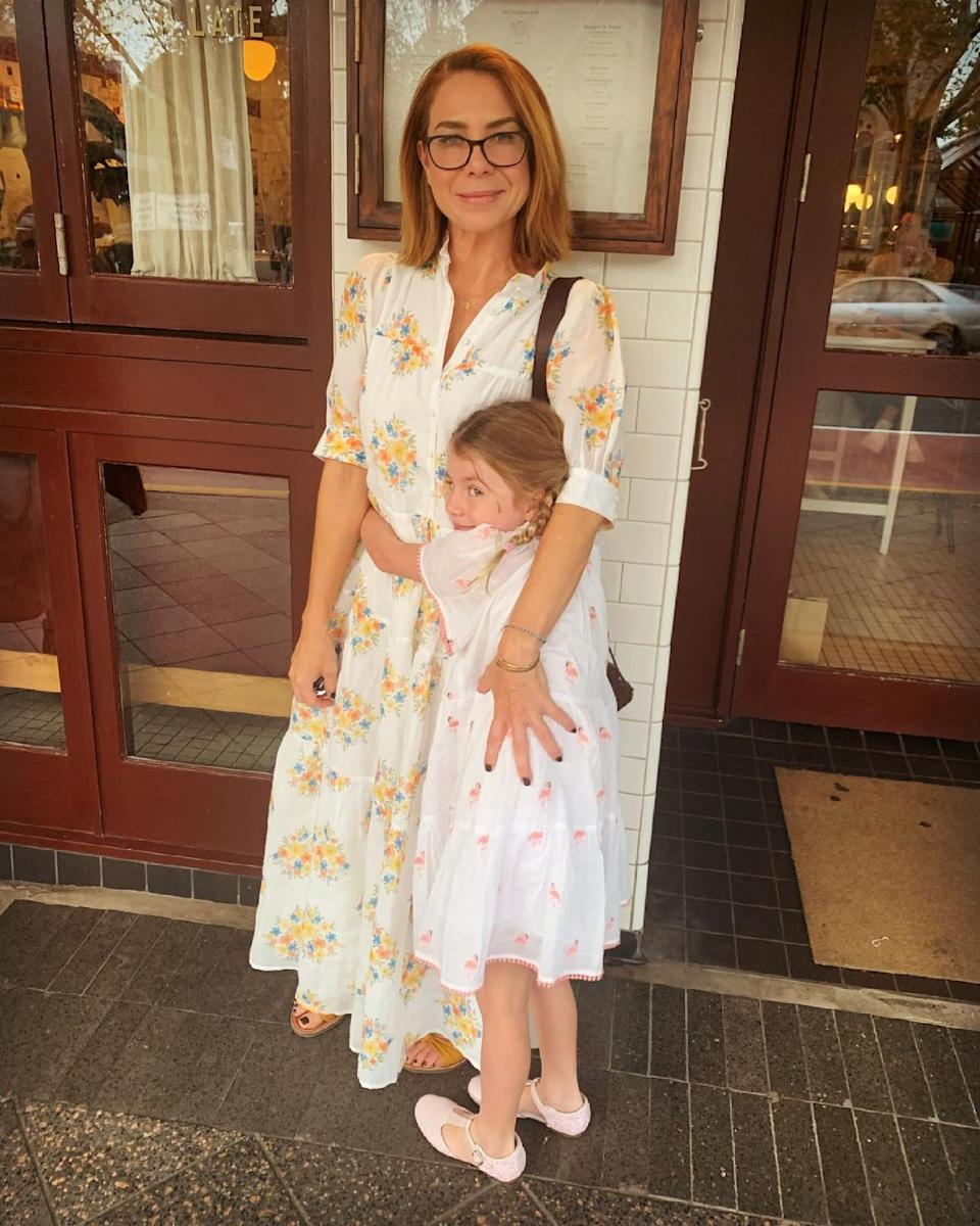 home and away star Kate Ritchie with her daughter