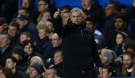Chelsea's manager Jose Mourinho gestures during their English Premier League soccer match against Manchester United at Stamford Bridge in London, January 19, 2014. REUTERS/Eddie Keogh