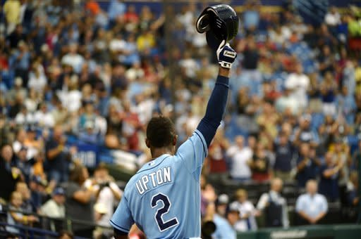 Upton hits 3 home runs, Rays beat Rangers