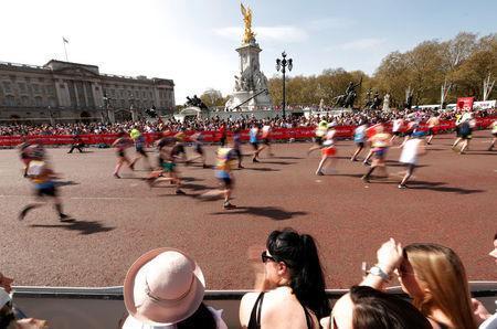 General view outside Buckingham Palace during the London Marathon. REUTERS/Andrew Boyers