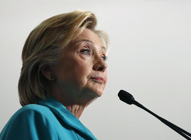 FBI releases notes on Clinton's use of private email