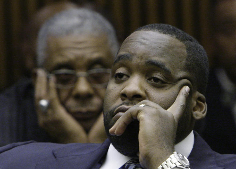 Contractor says he paid ex-Detroit mayor for work