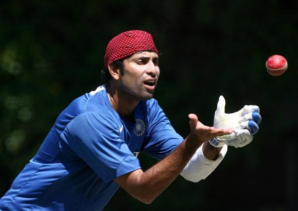 PERTH, AUSTRALIA - JANUARY 14: WS Laxman of India catches the ball during an Indian cricket training session held at the WACA January 14, 2008 in Perth, Australia.  (Photo by Paul Kane/Getty Images)
