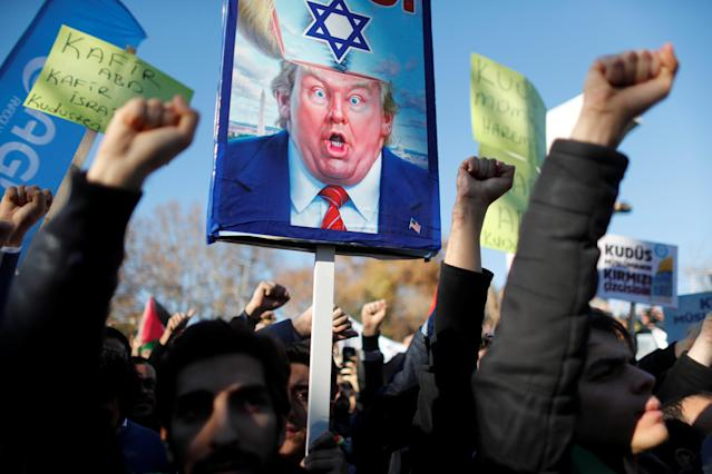 <p>Demonstrators shout slogans during a protest against President Donald Trump's recognition of Jerusalem as Israel's capital, in Istanbul, Turkey, Dec. 8, 2017. (Photo: Osman Orsal/Reuters) </p>