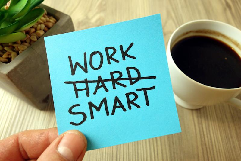 Work smart text - motivational reminder handwritten on sticky note (Photo: Piotrekswat via Getty Images)
