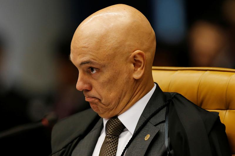 Judge Alexandre de Moraes reacts during a session of the Supreme Court to issue its final decision about the habeas corpus plea for the former Brazil president Luiz Inacio Lula da Silva, in Brasilia, Brazil April 4, 2018. REUTERS/Adriano Machado