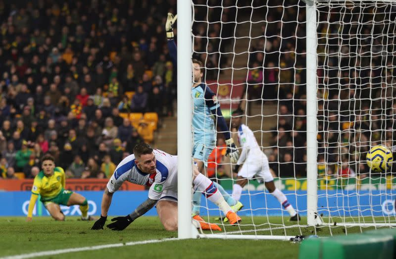 Late Wickham striker for Palace frustrates Norwich