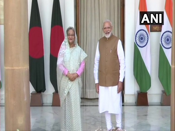 Bangladesh Prime Minister Sheikh Hasina and her Indian counterpart Narendra Modi (File photo)