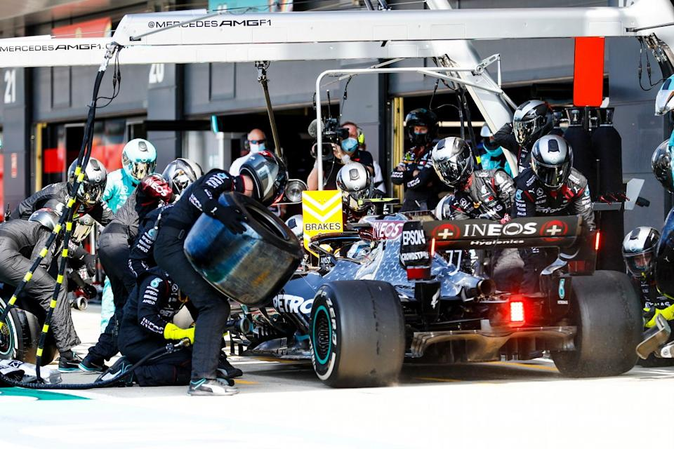 "Valtteri Bottas, Mercedes F1 W11, comes in for a stop<span class=""copyright"">Glenn Dunbar / Motorsport Images</span>"