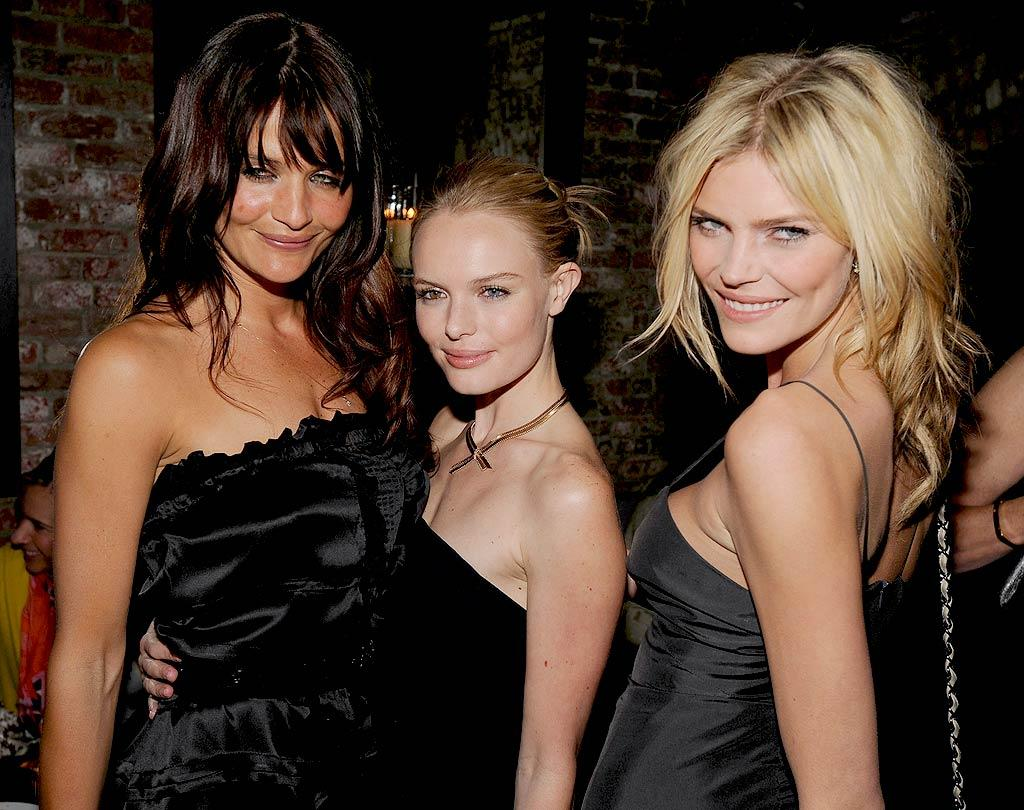 "Kate gets caught in a supermodel sandwich thanks to the gorgeous Helena Christensen and May Andersen. Dimitrios Kambouris/<a href=""http://www.wireimage.com"" target=""new"">WireImage.com</a> - March 26, 2008"