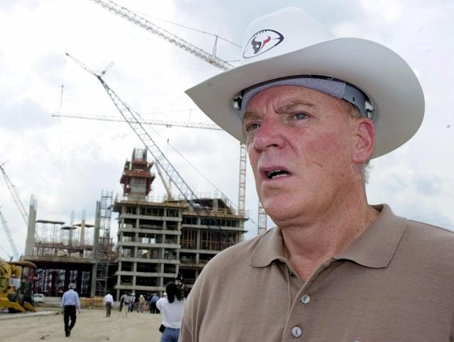 "Bob McNair, owner of the NFL <a class=""link rapid-noclick-resp"" href=""/nfl/teams/hou/"" data-ylk=""slk:Houston Texans"">Houston Texans</a>, by the construction site of the team's stadium new stadium in 2000. The 69,500-seat retractable roof stadium was built next to the Astrodome. (AP)"