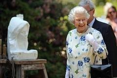 Businesses to cash in on royal seal of approval