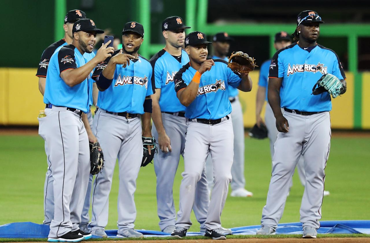 <p>The American League all-stars look on during batting practice for the 88th MLB All-Star Game at Marlins Park on July 11, 2017 in Miami, Florida. (Photo by Rob Carr/Getty Images) </p>