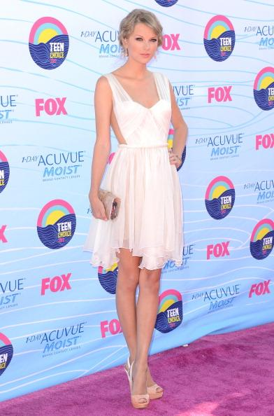Musician Taylor Swift arrives at the 2012 Teen Choice Awards at Gibson Amphitheatre on July 22, 2012 in Universal City, California. (Photo by Jason Merritt/Getty Images)