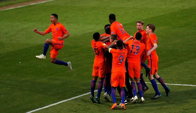 Soccer Football - UEFA European Under-17 Championship Semi-Final - England vs Netherlands - Proact Stadium, Chesterfield, Britain - May 17, 2018 Netherlands' players celebrate after the match Action Images via Reuters/Carl Recine