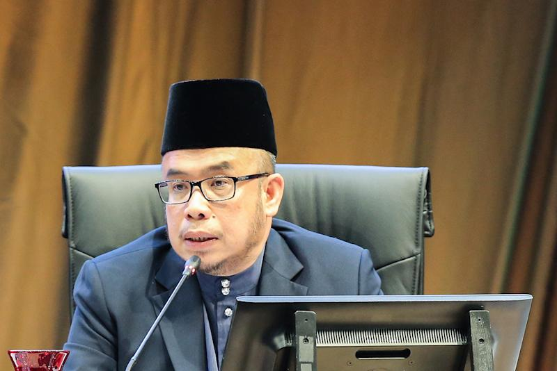 Perlis Mufti Datuk Mohd Asri Zainal Abidin called for his supporters to back a petition urging the government to prohibit vernacular schools in Malaysia. — Picture by Miera Zulyana