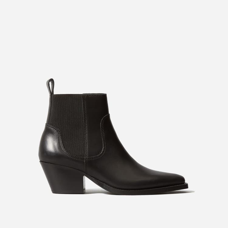 """<p><strong>Everlane</strong></p><p>everlane.com</p><p><strong>$119.00</strong></p><p><a href=""""https://go.redirectingat.com?id=74968X1596630&url=https%3A%2F%2Fwww.everlane.com%2Fproducts%2Fwomens-western-boot-black&sref=https%3A%2F%2Fwww.elle.com%2Ffashion%2Fshopping%2Fg34819502%2Feverlane-cyber-monday%2F"""" rel=""""nofollow noopener"""" target=""""_blank"""" data-ylk=""""slk:Shop Now"""" class=""""link rapid-noclick-resp"""">Shop Now</a></p>"""