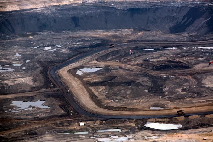 A Canadian oil-sand site in 2013 that Shell later sold | Brent Lewin—Bloomberg/Getty Images