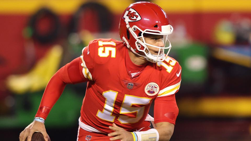 KANSAS CITY, MISSOURI - DECEMBER 06: Patrick Mahomes #15 of the Kansas City Chiefs looks to pass during the second quarter of a game against the Denver Broncos at Arrowhead Stadium on December 06, 2020 in Kansas City, Missouri. (Photo by Jamie Squire/Getty Images)
