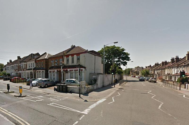 Attempted murder: A man was found with several knife wounds in Bensham Lane, Thornton Heath: Google maps