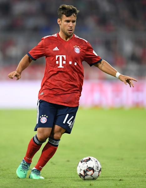 Spain defender Juan Bernat is set to join Paris Saint-Germain from Bayern Munich, whose head coach Niko Kovac confirmed the deal on Friday