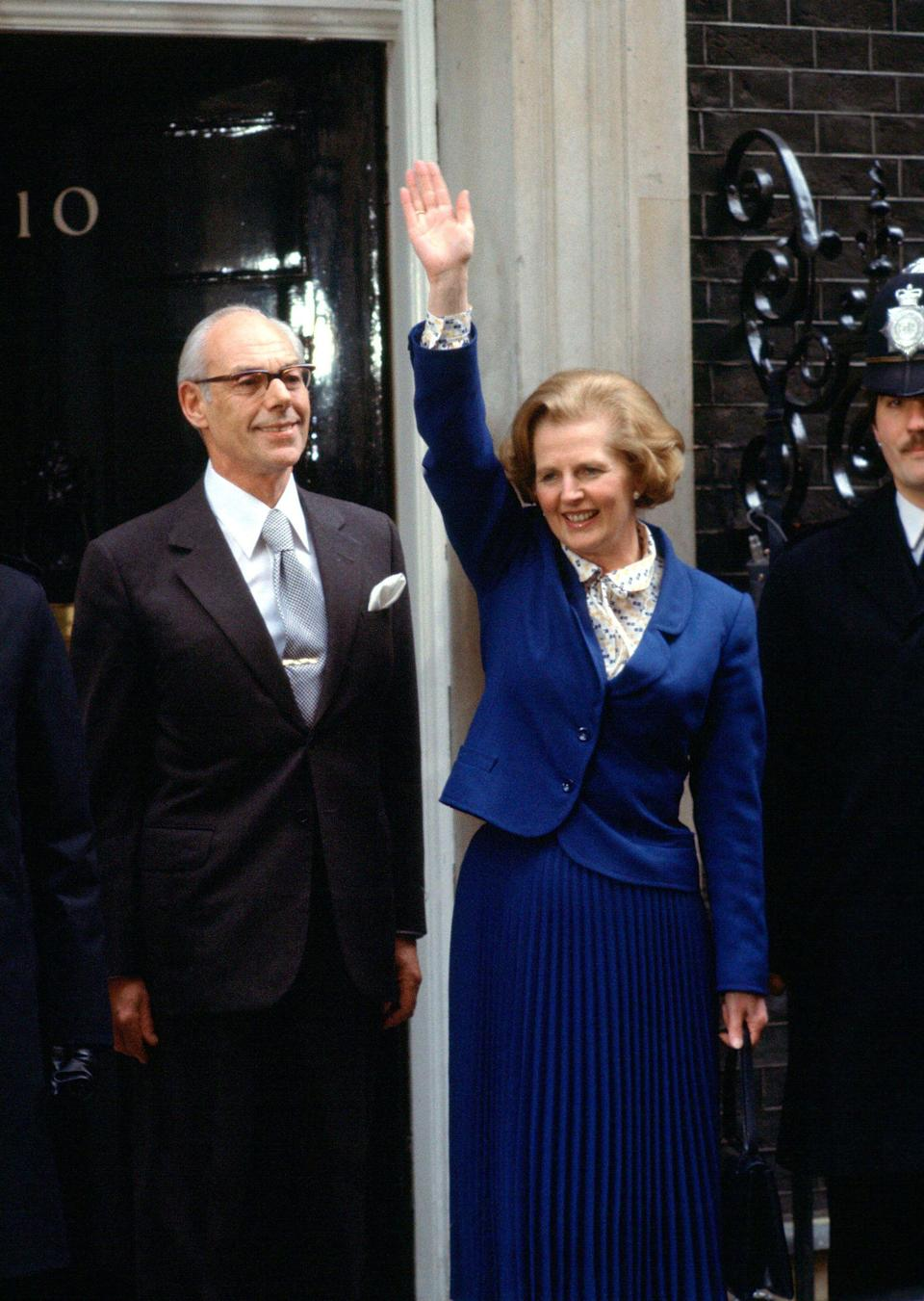 <p>Margaret Thatcher and her husband Denis entering No. 10, following her election win in 1979.</p>