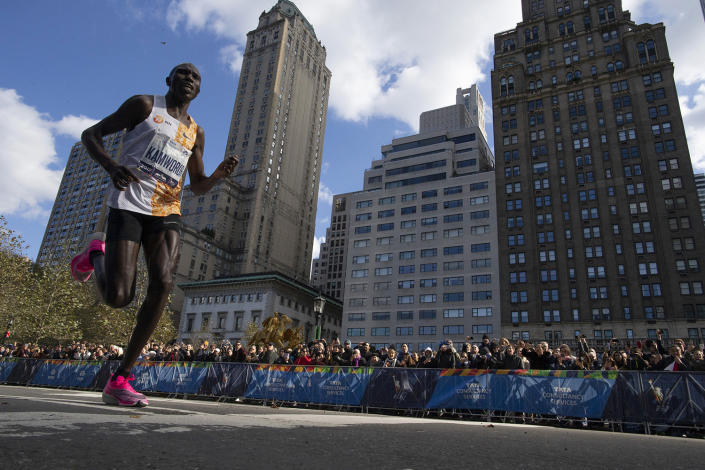 Geoffrey Kamworor, of Kenya, leads the professional men's division during the New York City Marathon, Sunday, Nov. 3, 2019, in New York. (Photo: Eduardo Munoz Alvarez/AP)