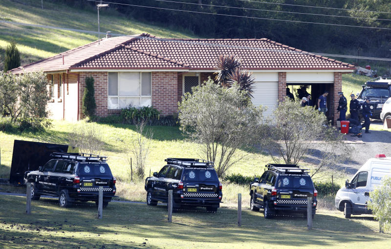 Police search the property and family home of Leonard John Warwick in Douglas Park, NSW, in 2015. Source: AAP