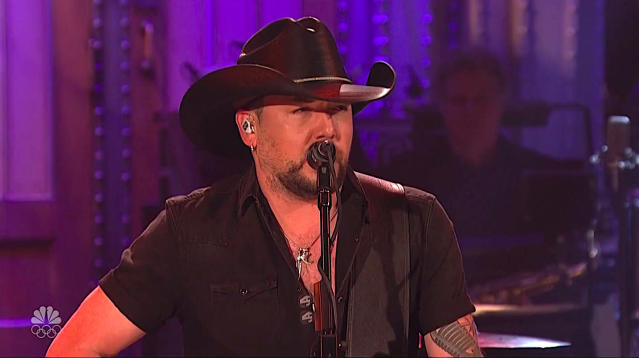 "Jason Aldean opens SNL with brief monologue on Las Vegas, launches into cover of Tom Petty's ""I Won't Back Down."" pic.twitter.com/R73cFvU22v—"