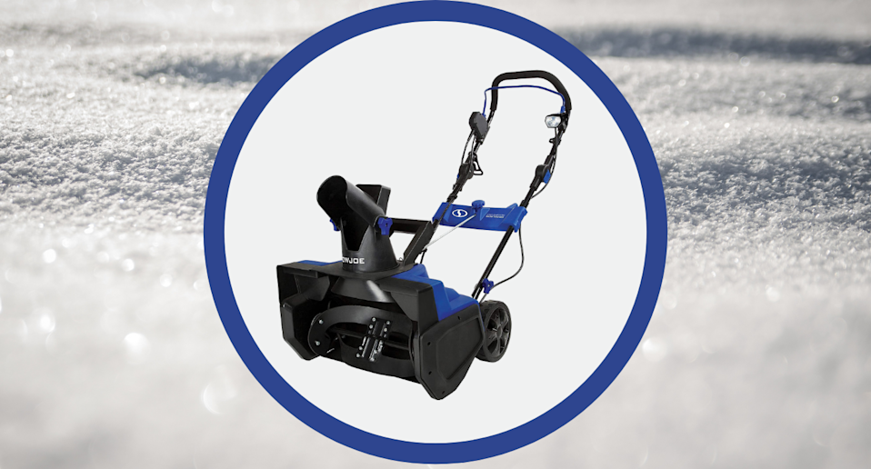 Amazon Canada's bestselling snow thrower is on sale for less than $200.