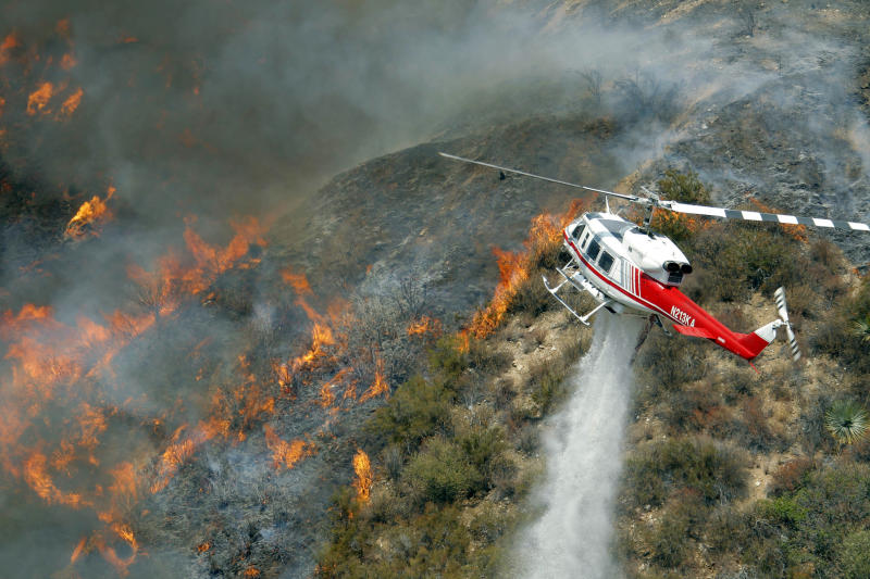 Wildfire near LA remains in wilderness area