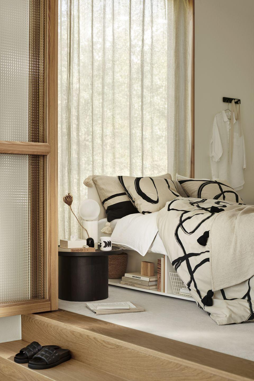 """<p>Turn your <a href=""""https://www.housebeautiful.com/uk/decorate/bedroom/a34478276/luxury-bedroom/"""" rel=""""nofollow noopener"""" target=""""_blank"""" data-ylk=""""slk:bedroom"""" class=""""link rapid-noclick-resp"""">bedroom</a> into a cosy sanctuary with new bedlinen, accessories and graphic prints. Creating an indulgent space on a budget has never been easier. </p><p><a class=""""link rapid-noclick-resp"""" href=""""https://go.redirectingat.com?id=127X1599956&url=https%3A%2F%2Fwww2.hm.com%2Fen_gb%2Fhome.html&sref=https%3A%2F%2Fwww.housebeautiful.com%2Fuk%2Flifestyle%2Fshopping%2Fg35116386%2Fhandm-home-spring%2F"""" rel=""""nofollow noopener"""" target=""""_blank"""" data-ylk=""""slk:SHOP H&M HOME"""">SHOP H&M HOME</a> </p>"""