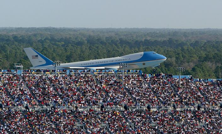 In this 2004 file photo, Air Force One takes off with former President George W. Bush aboard after attending the NASCAR Nextel Cup Daytona 500. (Photo: Jonathan Ferrey via Getty Images)