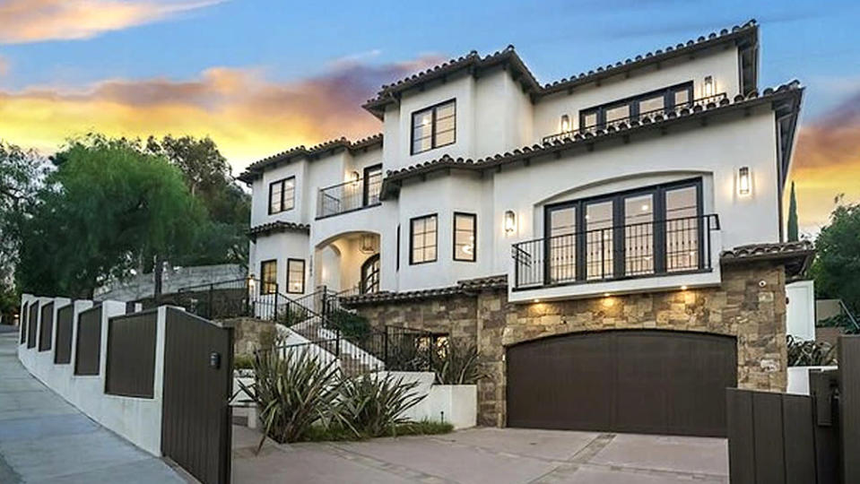 10 Athlete Homes for Sale