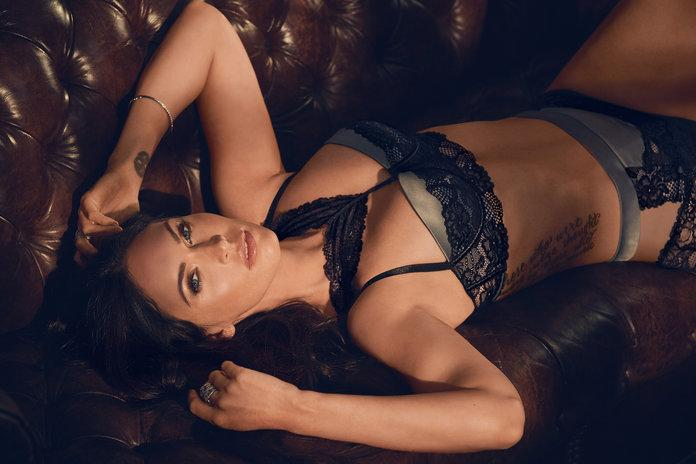 16c7a982e5f65 Megan Fox Looks Incredible in Frederick's of Hollywood's Sexy Fall ...